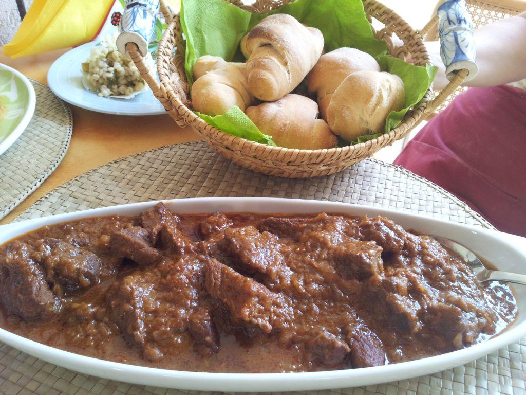 corso di cucina triestina: i gnocchi de pan con il gulasch