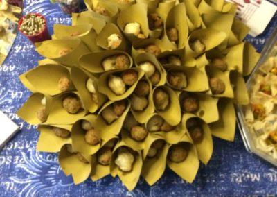 Il fritto nei coni di carta paglia